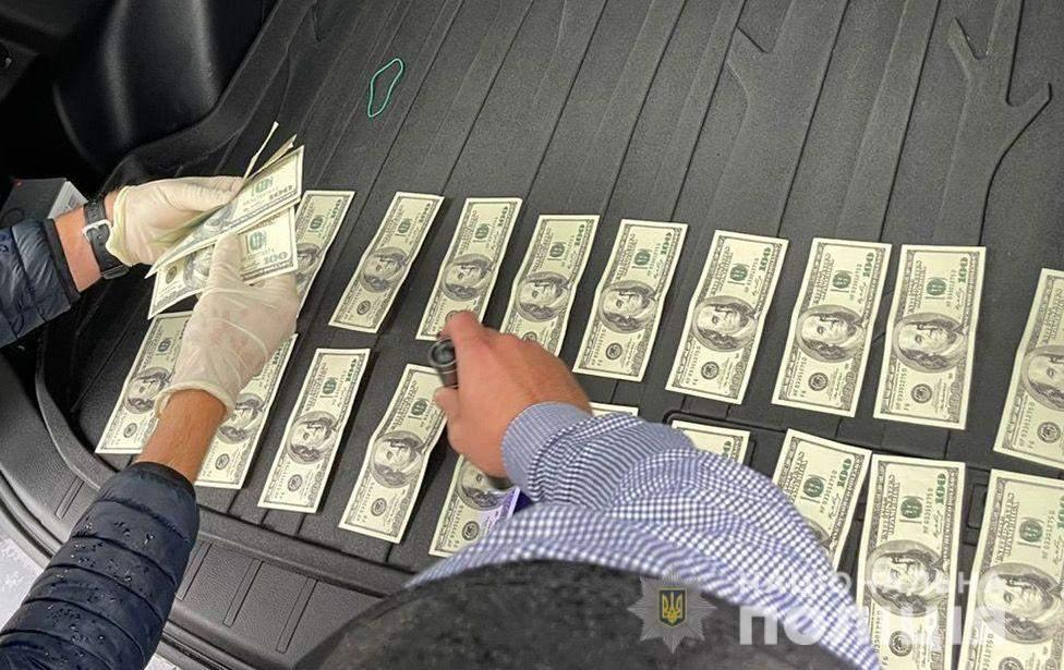 посадовець ДСНС вимагав гроші за посаду