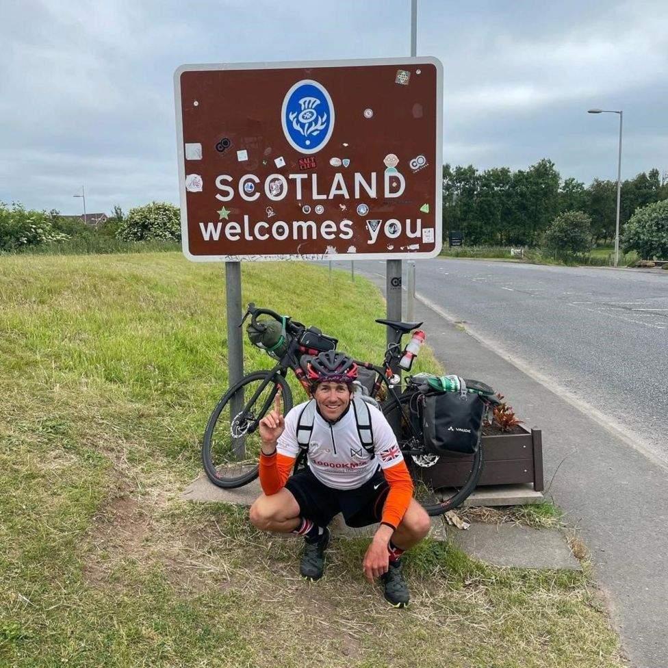 Баттон планирует преодолеть 10000 километров