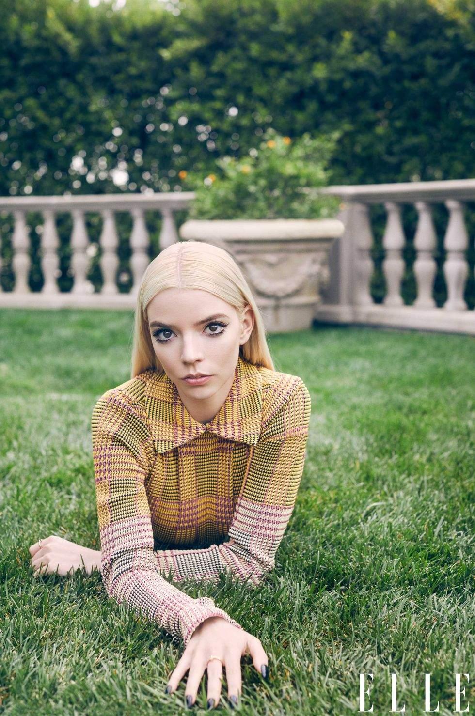 Аня Тейлор-Джой знялася у стильній фотосесії