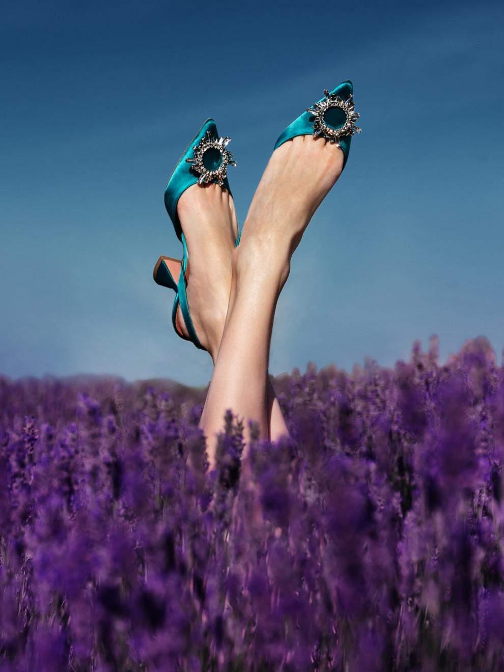 Актуальне взуття на літо 2021