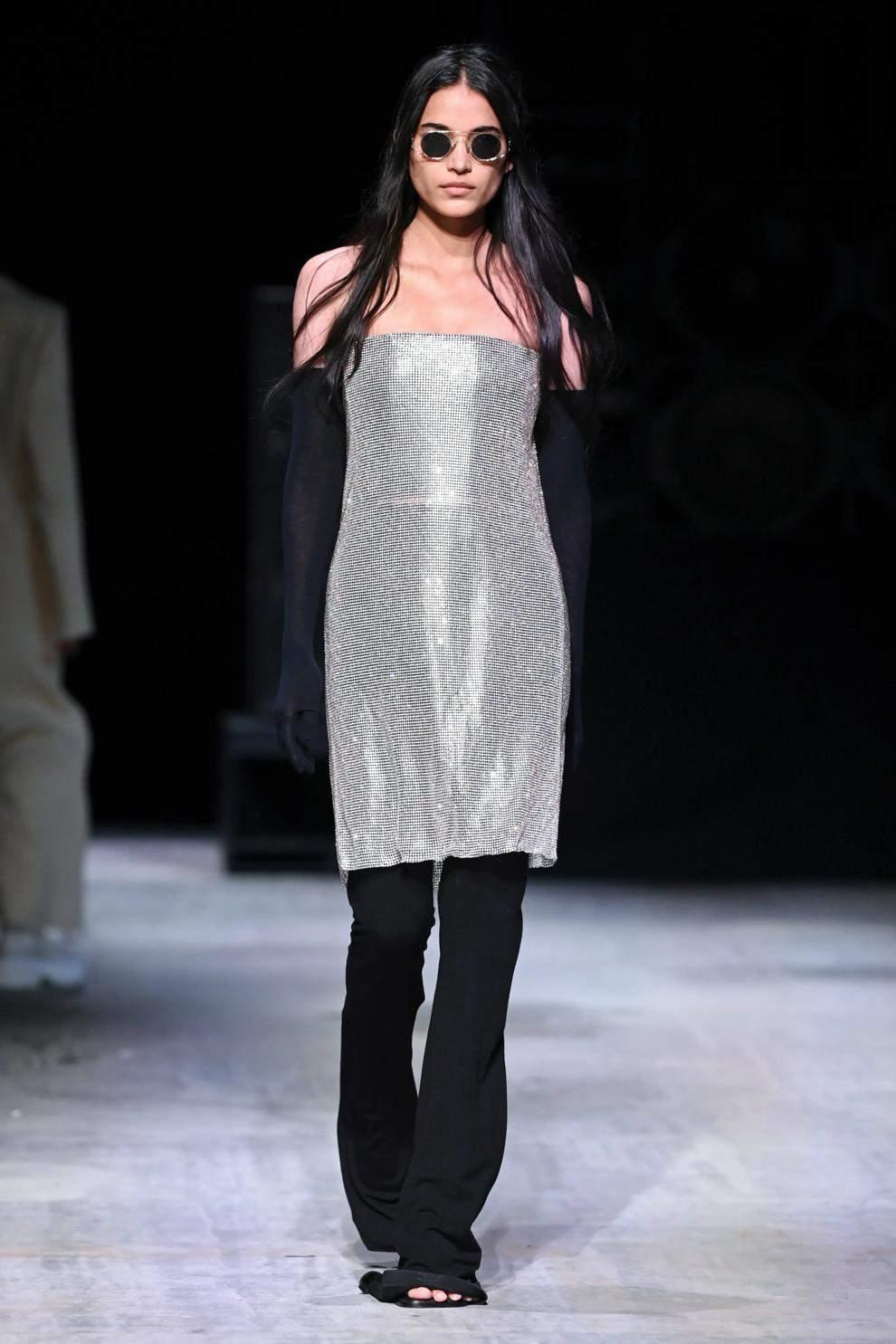 Срібло в одязі – тренд сезону